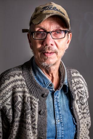 Lite studioporträtt på Harald när blixtarna testades med olika kameror.